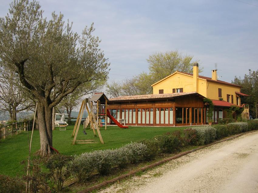Agriturismo la roverella filottrano ancona agriturismo ristoranti pane vino - Ristorante il giardino ancona ...